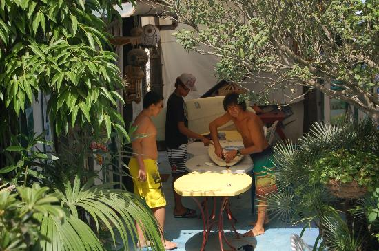 Mehdia Surf Camp Morocco : Getting fins fixed