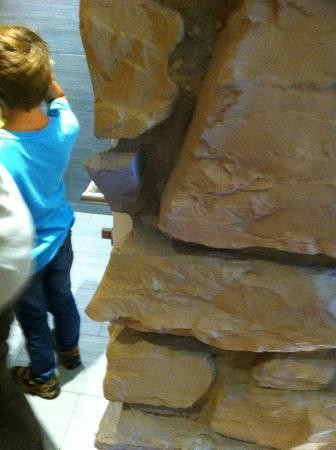 Ulrichshof Baby & Kinder Bio-Resort: Durchgang Wohnbereich zu WC/Bad