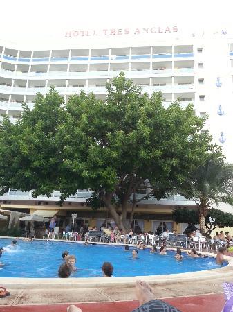 Hotel Tres Anclas: Vista desde piscina