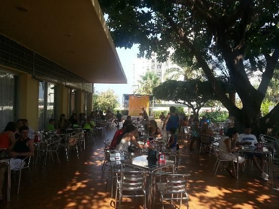 Hotel Tres Anclas: Cafeteria terraza piscina