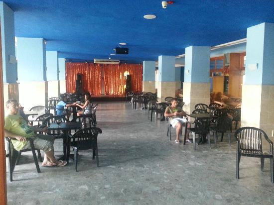 Hotel Tres Anclas: Sala fiestas interior