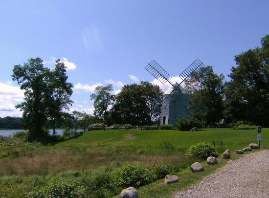 Cape Cod Scenic Tours: Orleans Windmill