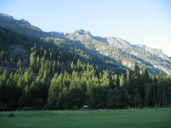 Stehekin Valley Ranch: View of the ranch