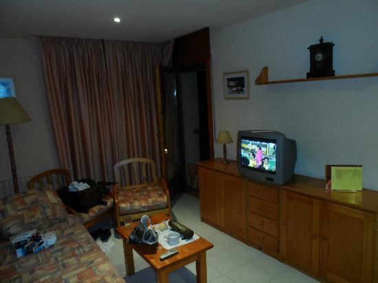 Aparthotel La Neu: Salón