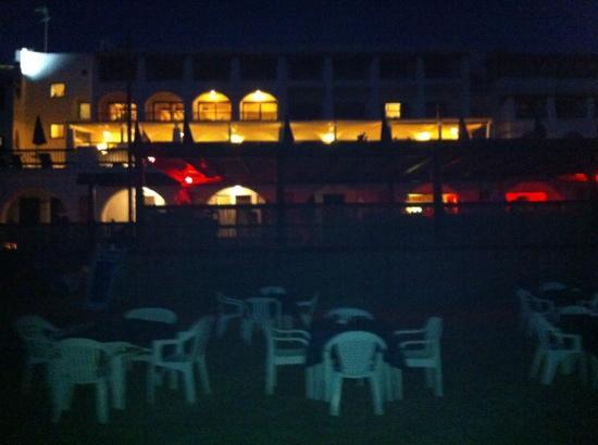 Le Dune Hotel: serata in spiaggia