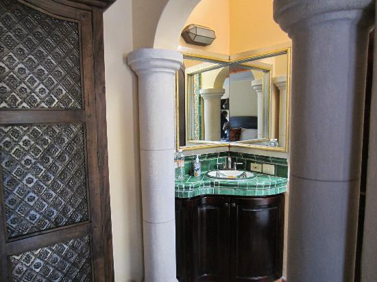 Antigua Capilla Bed and Breakfast : Bathroom