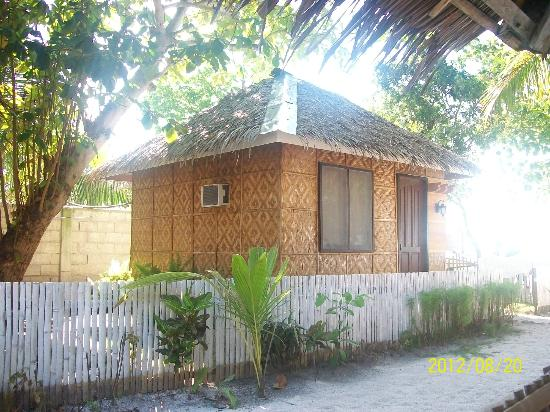 Bolod Beach Resort: single detached room