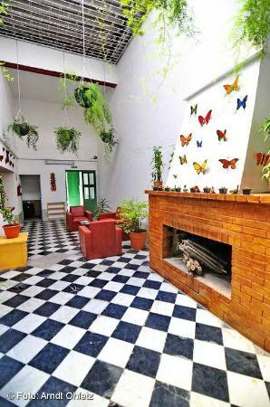 Patio Cubierto Picture Of Los Jardines Colgantes De
