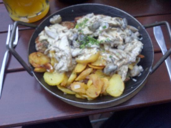 Hofbrauhaus Food Review