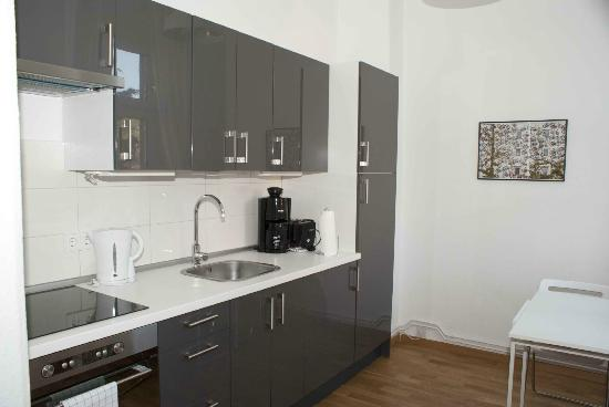 B! Apartments: Cocina