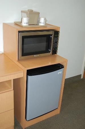 Microtel Inn & Suites by Wyndham Plattsburgh: Refrigerator and microwave in standard 2 bed rooms.