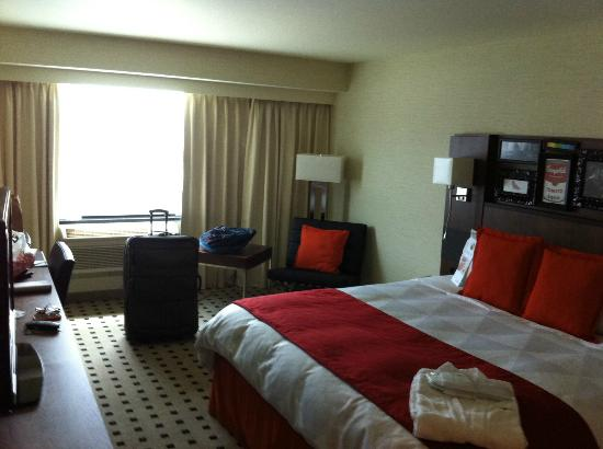 Radisson Hotel Salt Lake City Downtown: King size bedroom