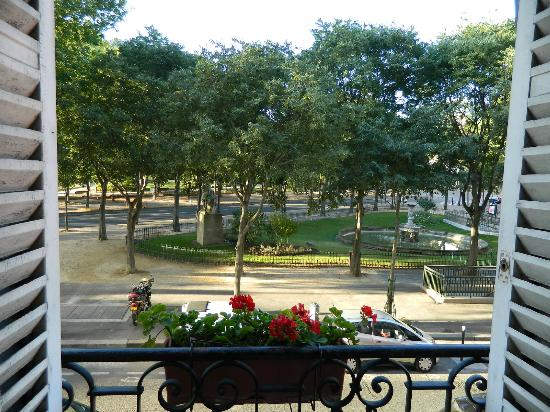 โฮเต็ล เดอ ลาตูร์ โมบูช: Vista desde el 1er piso del hotel