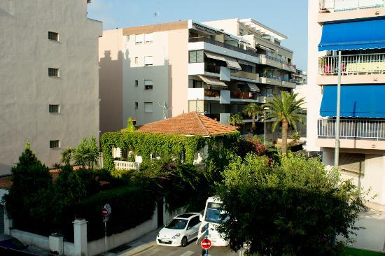Hotel Villa Nina: Вид из балкона