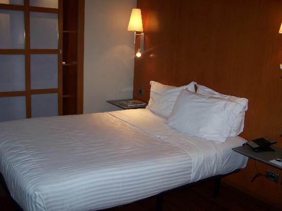 Eurostars Lisboa Parque: Comfy bed