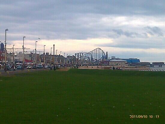 By The Seaside: pleasure beach