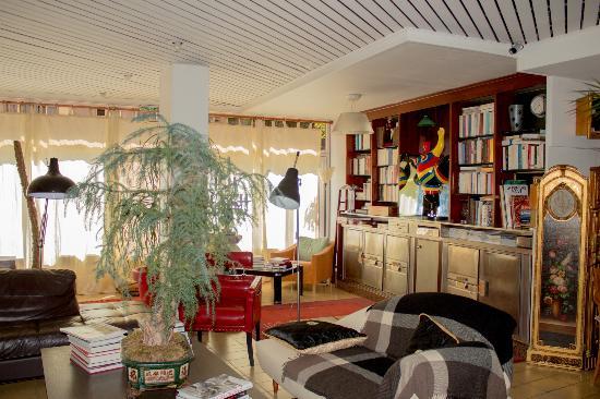 Hotel Villa Nina: Гостиная
