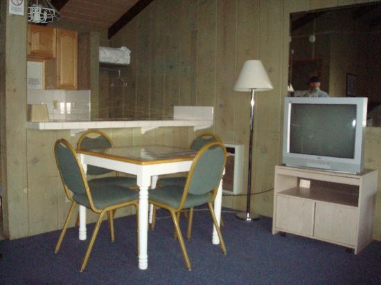 Bristlecone Manor Motel: Table and TV Room  26