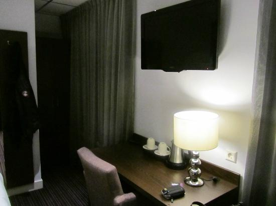 Hotel Luxer: more room pics