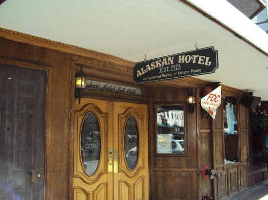 The Alaskan Hotel & Bar: Hotel Entrance
