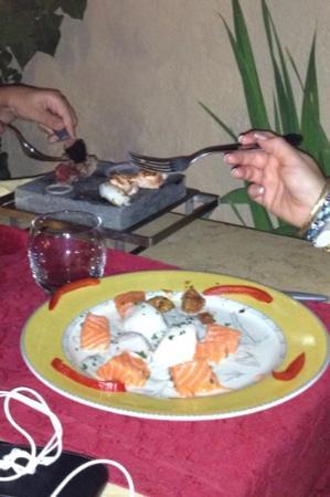 Hotel La Villa : La Pierrade de poisson: j 'en ai encore l 'eau à la bouche!