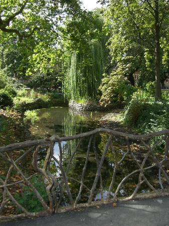 William Morris Gallery: Moat