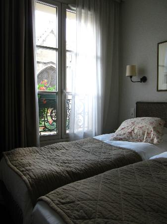 Henri IV Rive Gauche Hotel: room