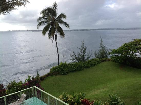 Hale Kai Hawaii Bed & Breakfast: Great view from the breakfast lanai