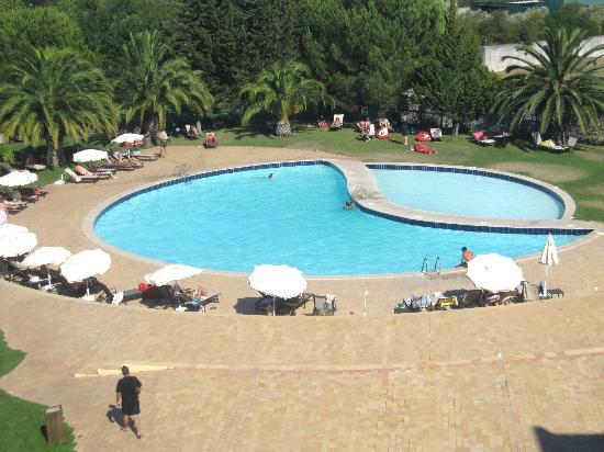 Evora Hotel: Piscina exterior (vista do quarto)