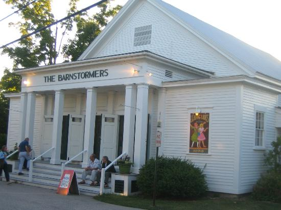 Tamworth, Nueva Hampshire: Outside the Barnstormers Theatre