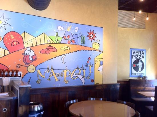 Punch Pizza: Notare i dettagli nel disegno sulla parete