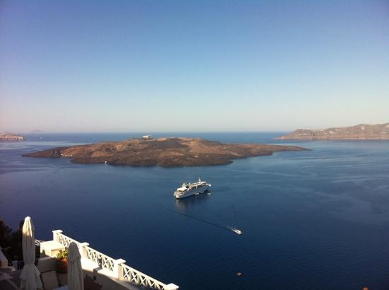 Archontiko Santorini: breakfast view!
