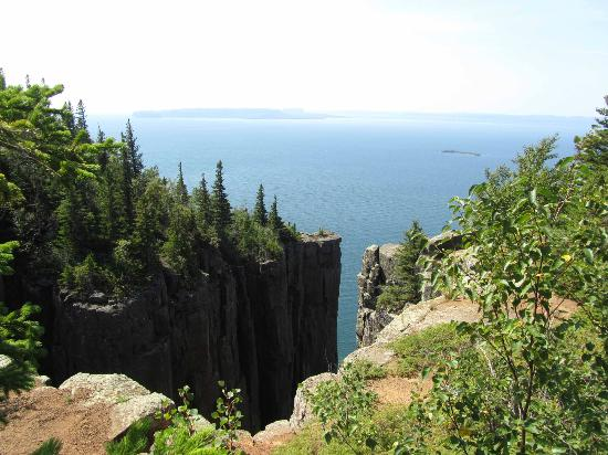 Sleeping Giant Provincial Park: Superior view from the top of the feet of the giant