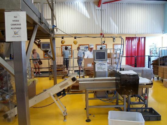 John Bull Rock Factory: Fudge Weighing and Packaging