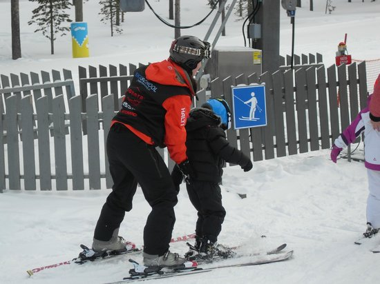 Levi Hotel Spa: Ski Lesson