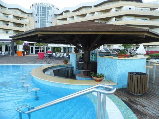 Solplay Hotel de Apartamentos: Bar de la piscine au solplay