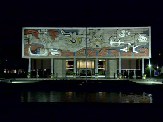 Instituto Tecnológico de Estudios Superiores de Monterrey (ITESM): Mural del Edificio de Rectoría