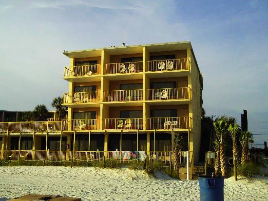 Chateau Motel : From the beach looking back at our room #102