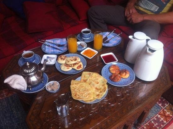 Dar Alhambra: our breakfast