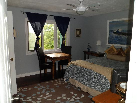 The Forest House B&B: Captain Room