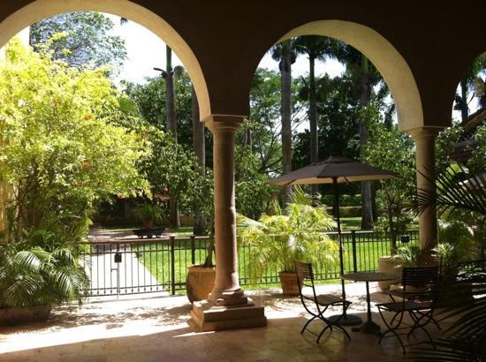 Hermosos jardines picture of hacienda xcanatun casa de - Casas con jardines bonitos ...