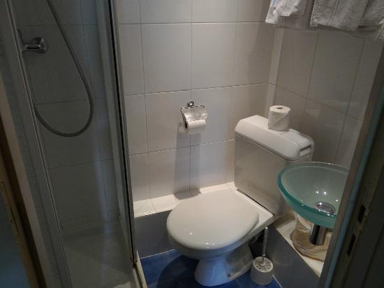 Grand Hotel Nouvel Opera: il bagno