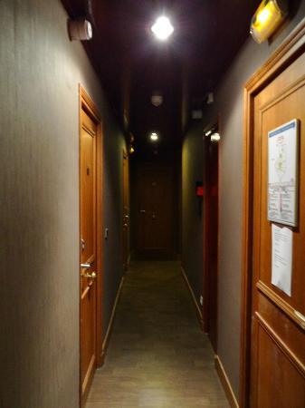 Grand Hotel Nouvel Opera: il corridoio