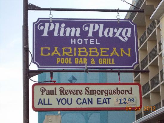 Plim Plaza Hotel: Plim Plaza Sign