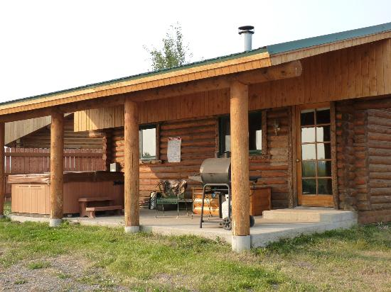 Bar-N-Ranch: Back porch of Denny Creek Cabin