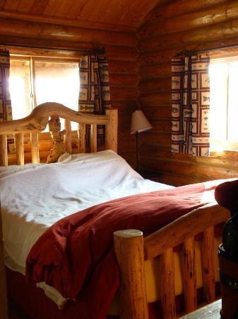 Bar-N-Ranch: Bedroom--Denny Creek Cabin