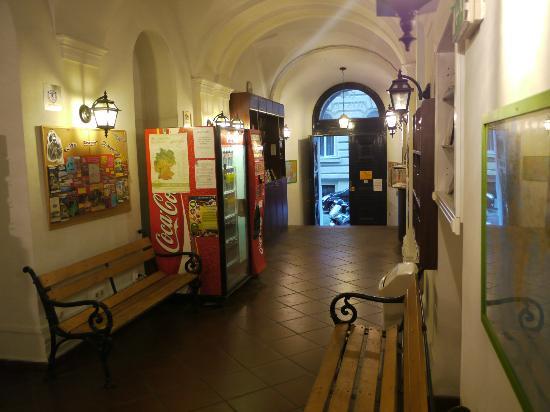 Marco Polo Top Ho(s)tel: EntranceArea