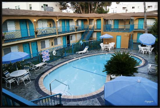 King Bed Room Picture Of Hollywood City Inn Los Angeles
