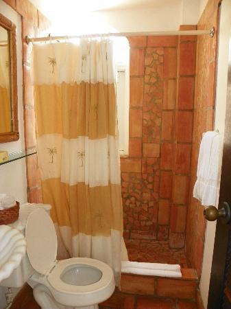 Acacia Boutique Hotel: Bathroom