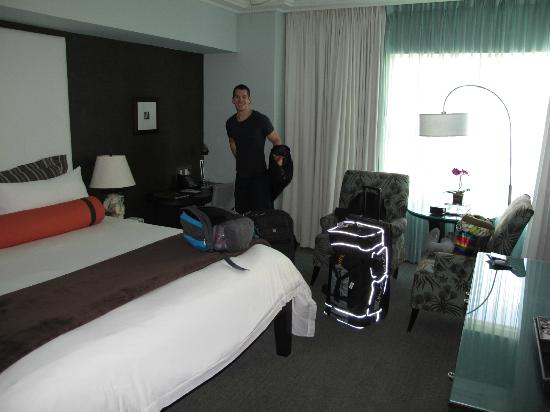 The Palms Hotel & Spa: The room